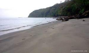 Beach just behind Corregidor Inn