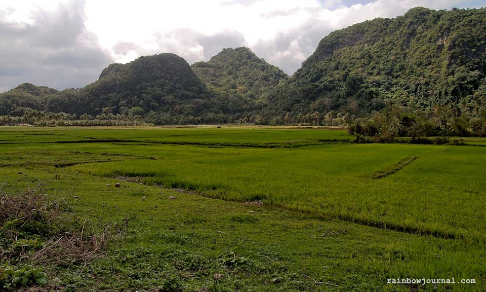 Panoramic view on the way to Gota Village Caramoan
