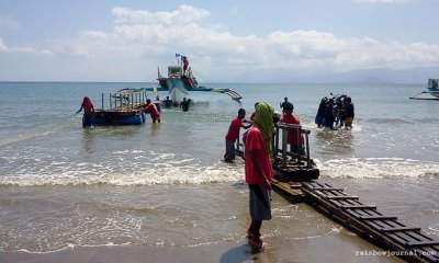 Positioning the movable, floating pier at Sabang port