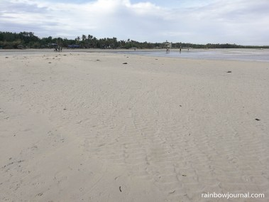Tondol White Sand beach during low tide