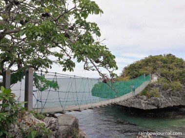 Hanging bridge on Quezon Island
