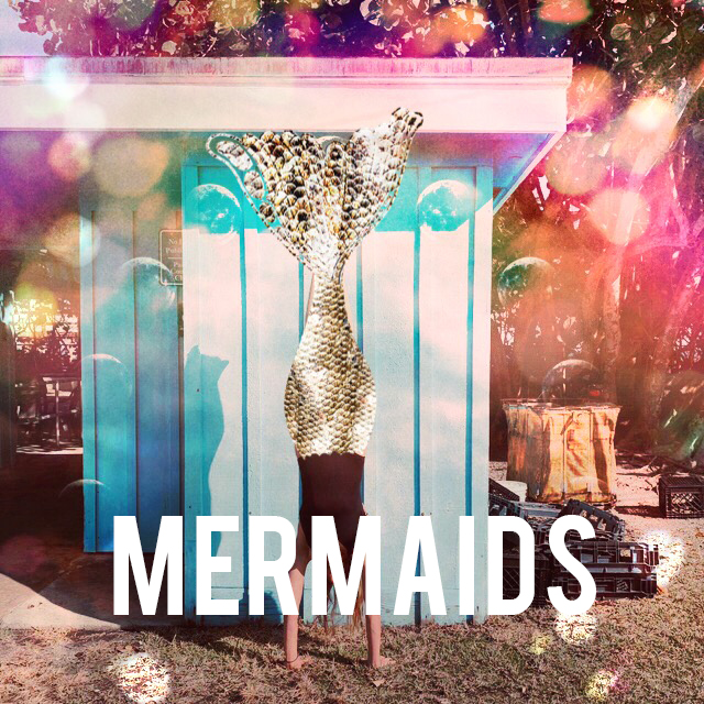 mermaid-fin-for-photos