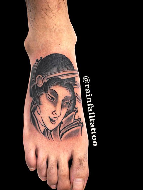 タトゥー 和彫り 芸者
