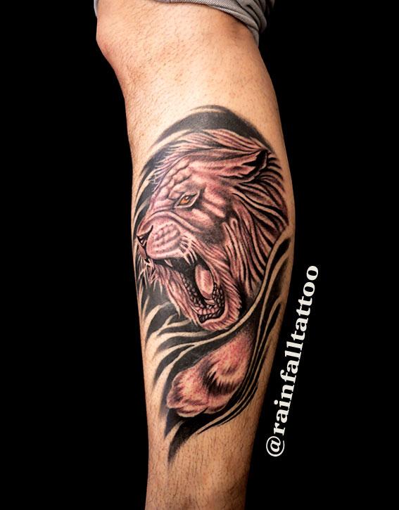 タトゥー ライオン ブラックアンドグレイ