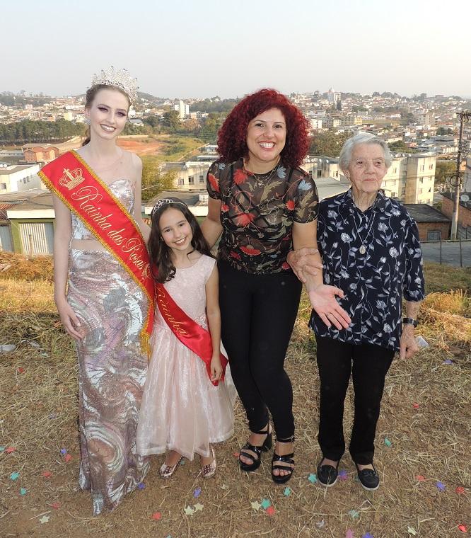Com a avó Therezinha e a apresentadora de evento Ana Gouvêa.