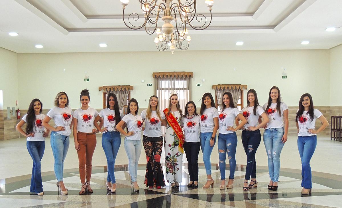 Candidatas juntamente com Eunice Almeida e Adriana Bellintani