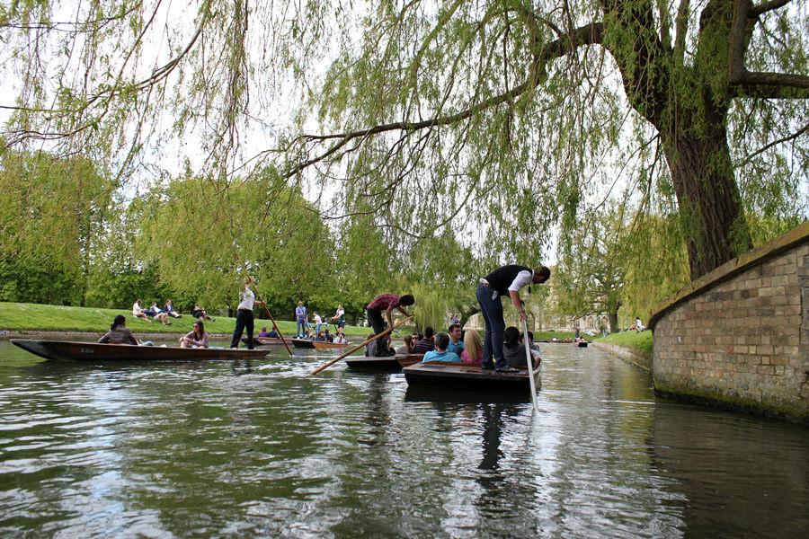 劍橋 Cambridge | 如詩如畫康河玩撐篙 Punting Fun – 與菁英有約