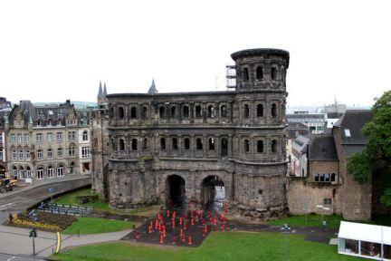 特里爾 Trier | 尼格拉城門 Porta Nigra 粗曠的大黑門