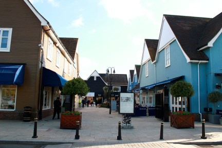 Bicester Village Outlet 倫敦近郊打折村攻略:交通方式、推薦品牌!!