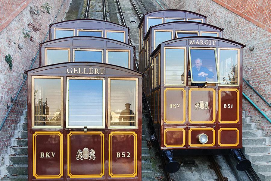 布達佩斯 | 搞定城堡山交通:巴士、登山纜車、徒步上山
