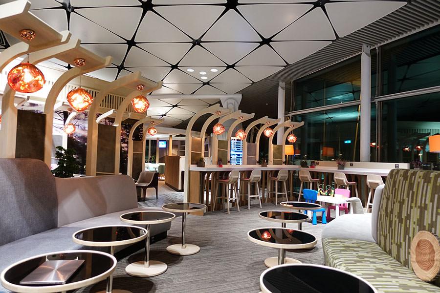 香港機場HKG | 香港航空貴賓室「遨堂 Club Autus」中場客運大樓