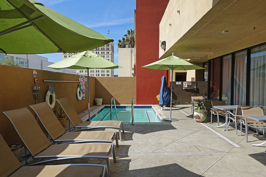 洛杉磯住宿 | Holiday Inn Express & Suites Los Angeles Downtown West 市區智選假日酒店