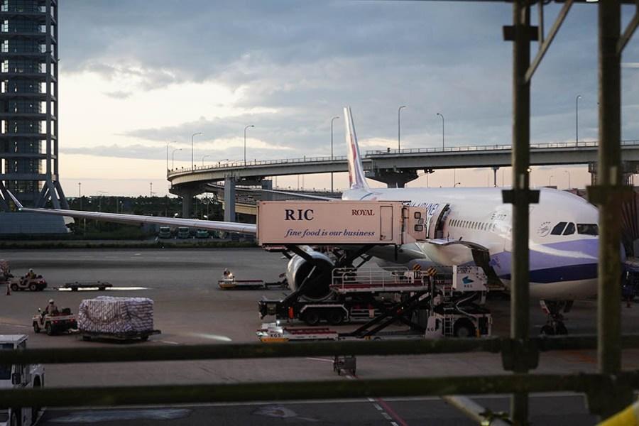中華航空 China Airlines | CI173 關西KIX ⇒ 台北TPE 飛行紀錄,華航水果餐分享