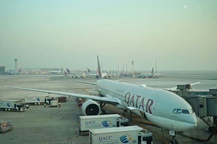 卡達航空 Qatar Airways   QR78 柏林TXL ⇒ 杜哈DOH 飛行紀錄,奇特的泰戈爾機場