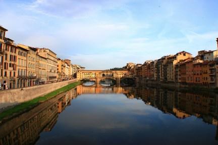 佛羅倫斯老橋 Ponte Vecchio 義大利最浪漫的石造拱橋!!