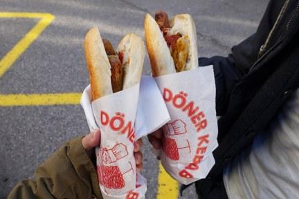 哈修塔特 Hallstatt | 市場碼頭船站小吃攤 Eura Döner (旋轉烤肉 Döner Kebap)