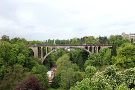 [盧森堡] Luxembourg | 阿道夫橋 Pont Adolphe x 佩特羅斯河谷 Pétrusse Valley x 憲法廣場 Place de la Constitution