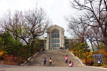 首爾 Seoul | 梨大 梨花女子大學 이화여자대학교 Ewha Womans University 校園漫步 + 紀念品商店
