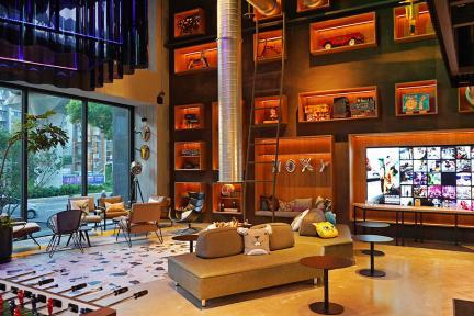 Moxy Taichung 台中豐邑慕奇夕酒店~旅行者的遊樂場,著重共享空間的玩味住宿!