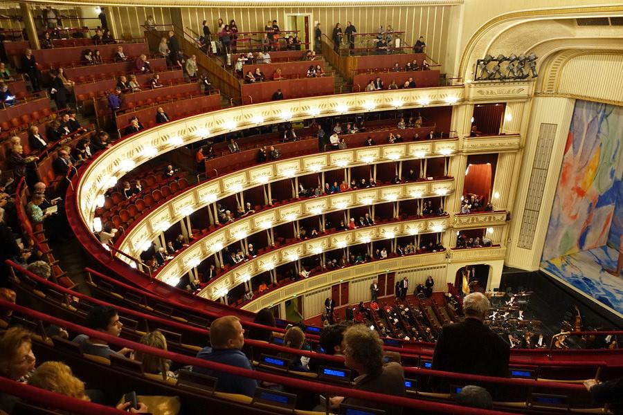 【維也納 Vienna】國家歌劇院 Wiener Staatsoper 三歐元體驗一場世界級音樂盛宴