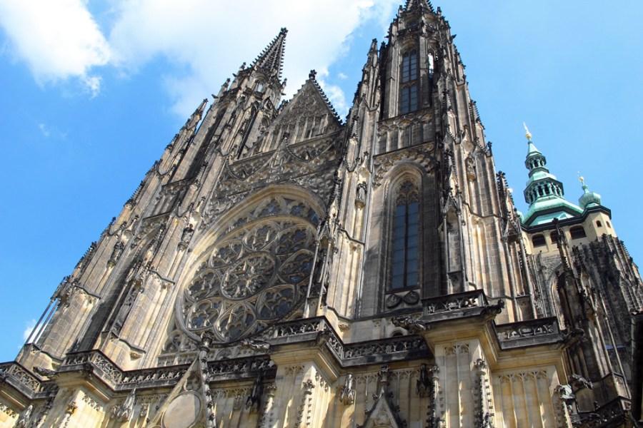 聖維特主教座堂 St. Vitus Cathedral | 布拉格城堡區,捷克最大教堂!!