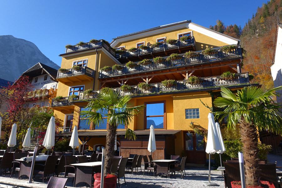 哈修塔特 Hallstatt | 格鲁纳鲍姆酒店 Seehotel Grüner Baum 無敵湖畔美景 x 百年飯店住宿推薦