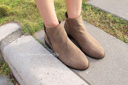 淘寶購物 | 初秋駝色極簡小驢靴
