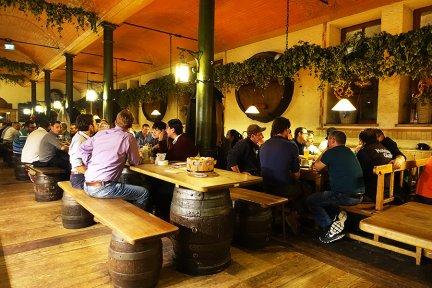 慕尼黑 Munich   最好喝啤酒廠餐廳 Augustiner Bräustuben 平價啤酒屋 C/P值高!!