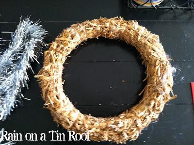 Easy DIY Tinsel Wreath