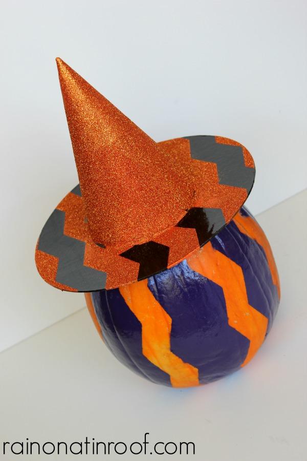 Chevron Witch Hat & Pumpkin {rainonatinroof.com} #frogtape #chevron #witch