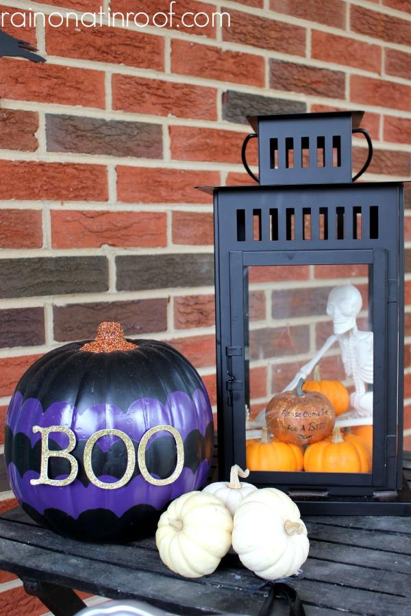 Fright-Tastic Halloween Home Tour {rainonatinroof.com} #halloween #hometour #diy