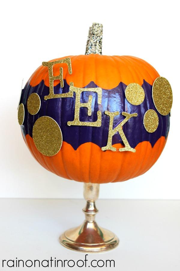 Scalloped Pumpkins {rainonatinroof.com} #scallop #pumpkin #halloween #shapetape #frogtape