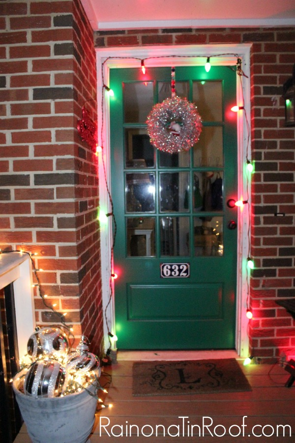 Eclectic Christmas Home Tour via RainonaTinRoof.com #christmas #hometour