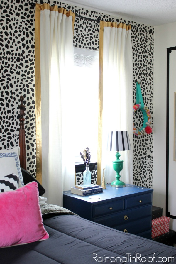 Guest Bedroom + Office Reveal {Guest Bedroom Ideas} via RainonaTinRoof.com #guestbedroom #bedroom #office #homeoffice