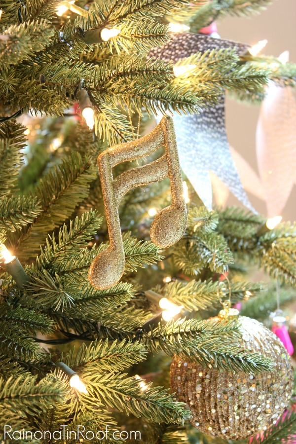 If you love music, this is the tree for you!! A Grammy Themed Christmas Tree via RainonaTinRoof.com