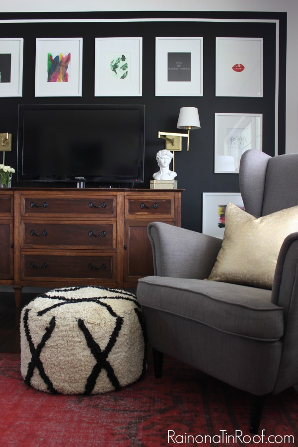 Black and White Gallery Wall: Spring Home Tour
