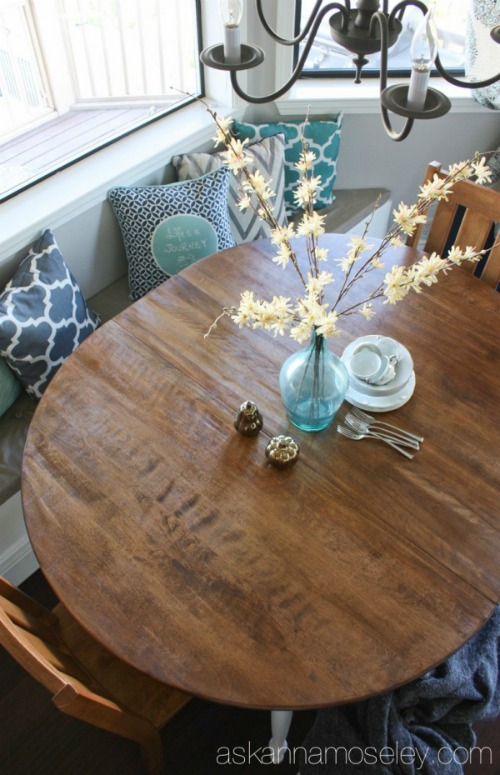 Painted & Stained Furniture Projects with a HomeRight Finish Max / Kitchen Table Makeover / Furniture Makeover