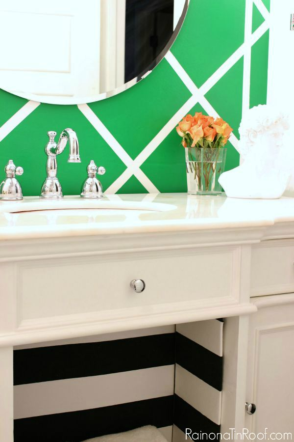 Decorating with Green: Cane Inspired Accent Wall | Painted Wall Patterns | Painting Patterns