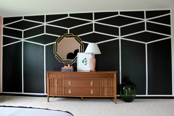 Well Traveled Master Bedroom Makeover Reveal - DO NOT miss this master bedroom! It combines bold black and white, a touch of green, pink and a dash of Palm Beach! STUNNING! Lots of great DIY project ideas for bedrooms in this article! DIY Accent Wall / DIY Painted Patterned Accent Wall / DIY Feature Wall / Black and White Interior Decorating / Black and White Design