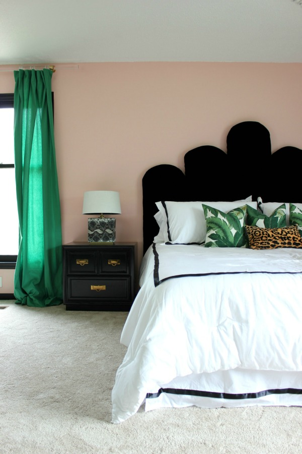 This is an EASY DIY headboard that even beginning DIYers can make! Switch up the upholstery to your style! DIY Hollywood Regency Headboard | DIY Velvet Headboard | Black Velvet Headboard | Scalloped Headboard | Retro Headboard | Vintage Style Headboard | Palm Beach Inspired Bedroom and Headboard