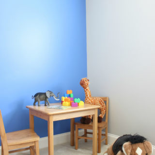 Tutorial for a Simple Blue Accent Wall using Behr's Boat House - great idea for adding a little color to a room!