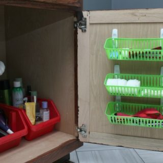 Bathroom Organization - more great ideas in the post! 5 Simple Storage and Organization Ideas that are Life-Changing