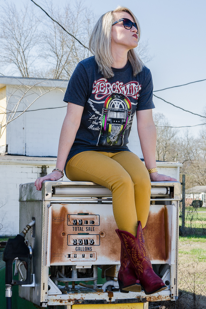 Love band t-shirts? Get four ideas for how to wear band tees outfits right here! Great ideas for ways to wear band shirts!
