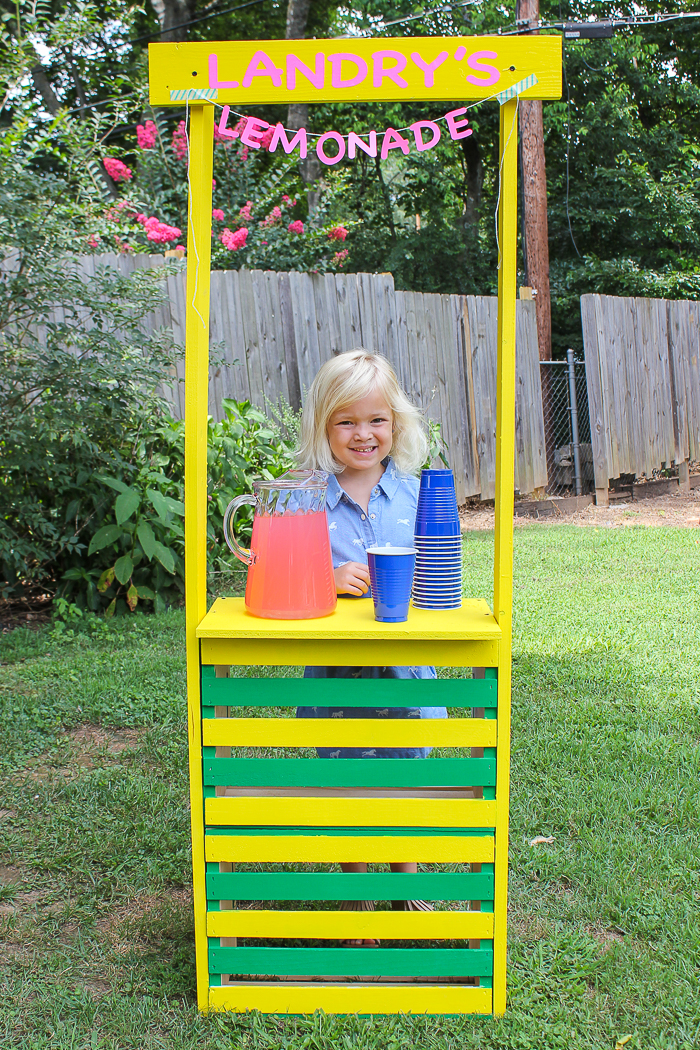 DIY Lemonade Stand - easy to build - Rain on a Tin Roof