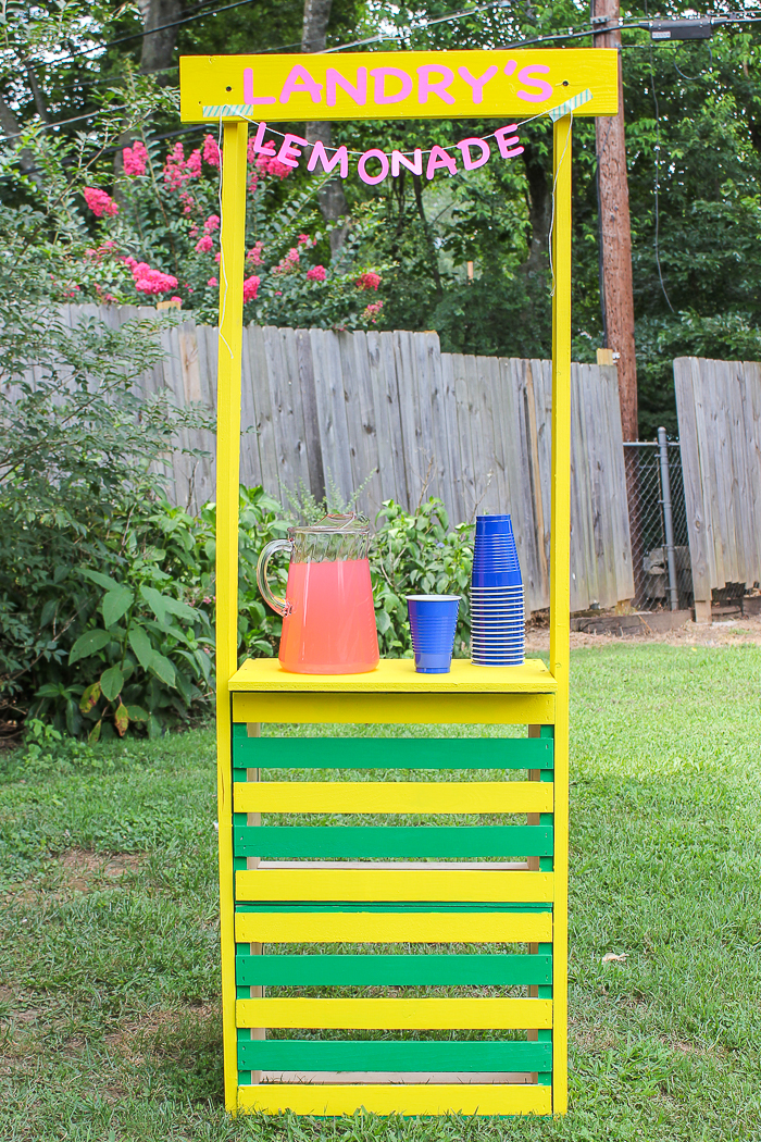 how to build a lemonade stand using crates - rain on a tin roof