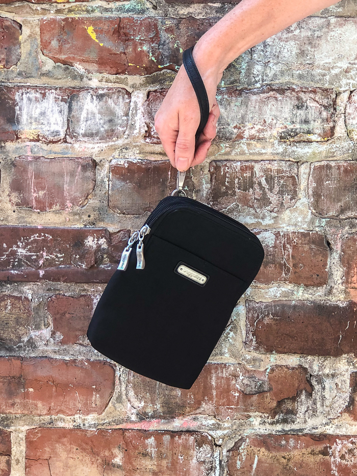 Baggallini Wristlet - versatile bag for travel.