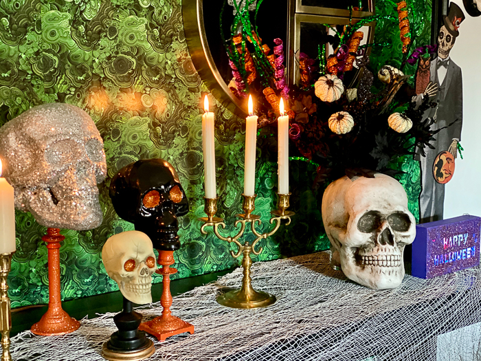 Using skulls for Halloween decorations