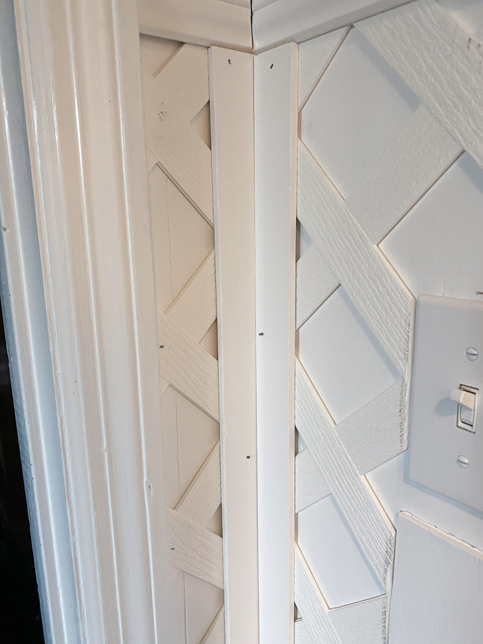Lattice Accent Wall Tutorial - using single lattice moldings to cover the edges.