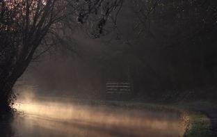 Winter light - Peak Forest canal