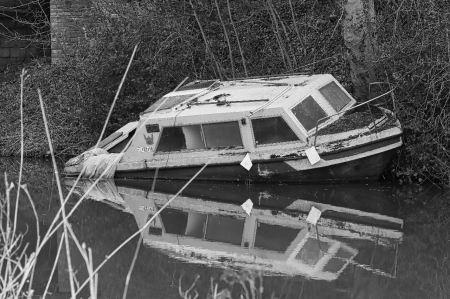 Macclesfield canal - abandon ship